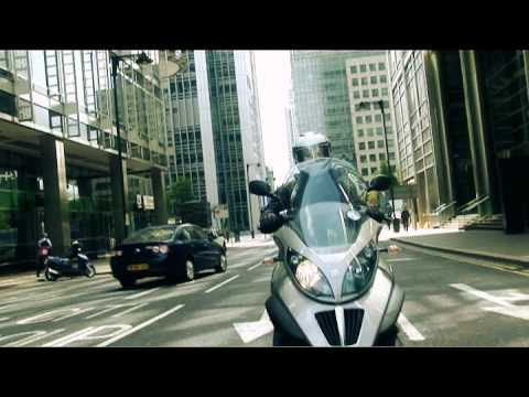 Piaggio MP3 LT 400ie: iGIZMO test drive review