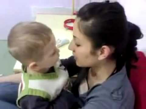 Comedy Baby Kiss – Baby Kiss Attempts :)
