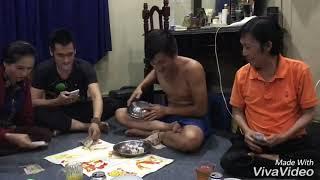 Nghệ Sĩ Ưu Tú Vũ Linh chơi bầu cua cùng gia đình