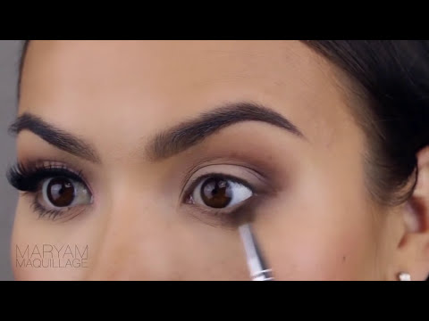 Lash Adhesive by house of lashes #3
