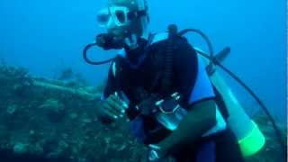 preview picture of video 'Scuba Diving in Cape Santa Maria, Long Island, Bahamas (Wreck Dive)'