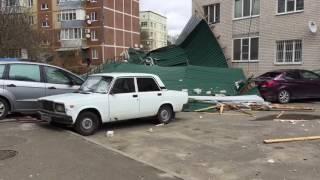 С дома по улице Пригородная 235 сильным ветром сорвало крышу