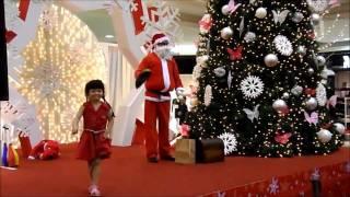 Santa Claus Juggling Skills