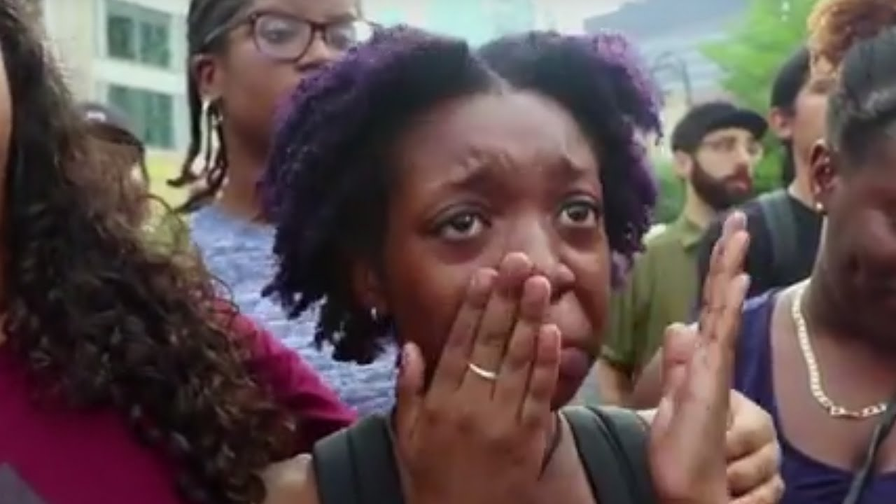 'Black Lives Matter' Protesters Respond To Dallas Shooting thumbnail