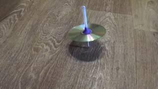 Как сделать игрушку вертелку из ручки, и из сд диска.