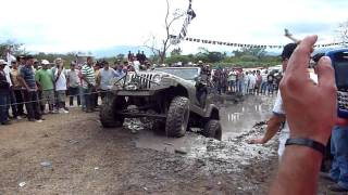 preview picture of video 'Jeep Winches Out Of The Mud Pit'