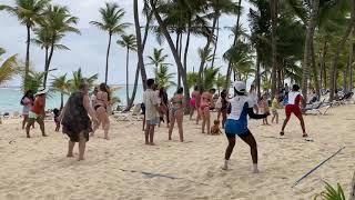 23 мая 2021г. Танцы на берегу Карибского моря.