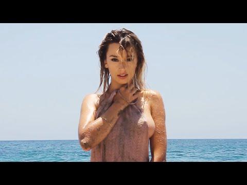 美爆的沙灘女郎