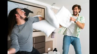 Spiesser pillow fight with Alvaro Soler. Check out this cool interview by Alvaro to the German teen