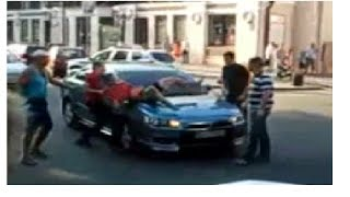 Одесса  Наказание провокатора  Осторожно! Придурки на дороге