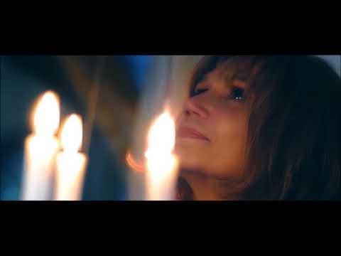 Claire (Clémentine Célarié) engage Paul (Dominique Pinon), un célèbre créateur de parfum. Elle...