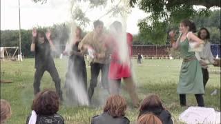 Vignette de la vidéo : Commémorer nos ancêtres normands de manière ludique et festive, c'est ce que propose un producteur de bière locale, à l'occasion de la désormais célèbre Fête Viking !