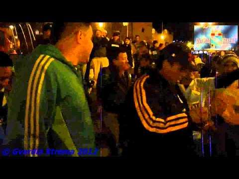 """La Gvardia Xtrema arma la previa en la Plaza de Armas del Cuzco - Play-Off 2012"" Barra: Gvardia Xtrema • Club: Sporting Cristal"