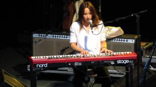 KT Tunstall - Yellow Flower - Gawsworth Hall 19-7-2013