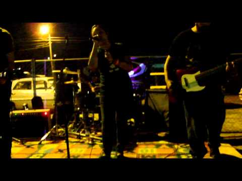 "Bite Lip Bleed Play ""Settle"" Live @ Fall Fall Fall Fest"
