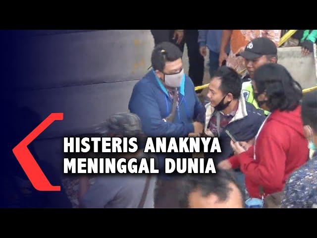 Histeris! Ayah Editor MetroTV Terobos Garis Polisi Saat Proses Evakuasi