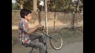 preview picture of video 'CYCLE STUNT MANIA ( Presented by - CLUB NOS GT And THE WYLD STUNTERZZZ )'