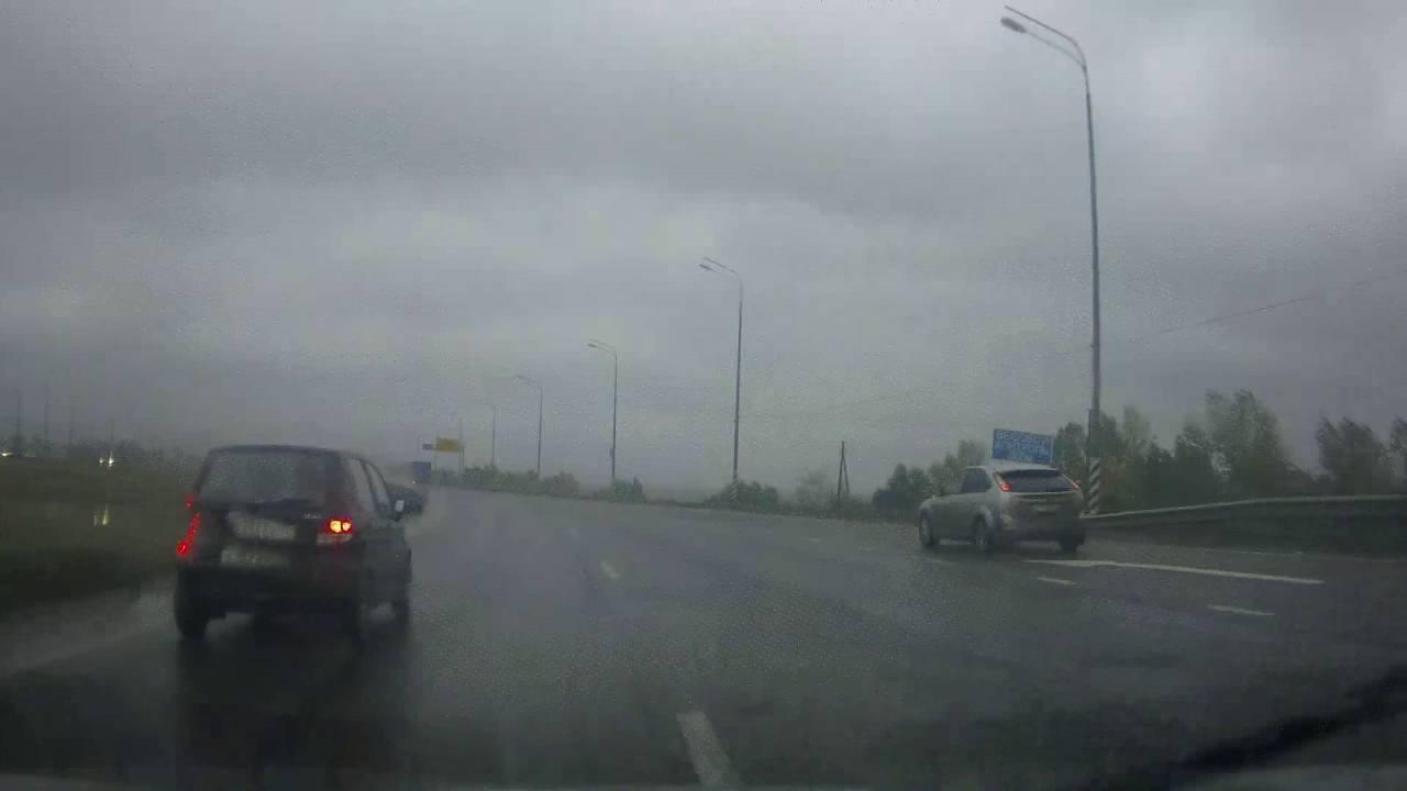 Непонятный маневр девушки на Daewoo Matiz привел к ДТП