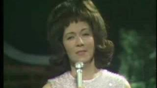 Dottie West-Here Comes My Baby