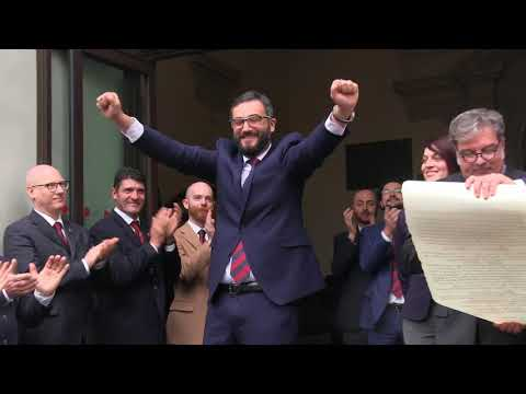 Preview video Storico Carnevale d´Ivrea - epifania 2018 - Uscita del Generale