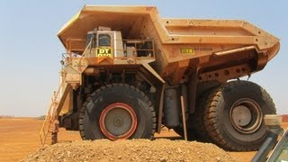 preview picture of video 'Driving in a Terex 6300 Mining Dumper Truck (largest in the world)'