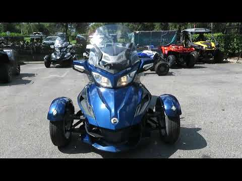 2010 Can-Am Spyder® RT Audio & Convenience SE5 in Sanford, Florida - Video 1