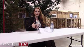 Riverdale On Set : Madelaine Petsch