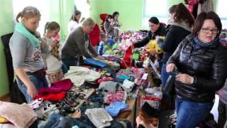 Kiermasz odzieży dziecięcej, damskiej i zabawek w Krośnie