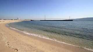 大蔵海岸と明石海峡大橋