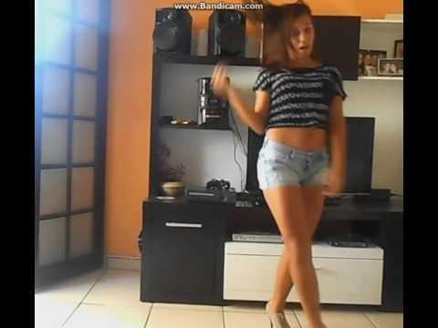 teen girl dance twerk periscope