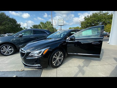 Certified Pre-Owned 2017 Buick LaCrosse 4dr Sdn Essence FWD