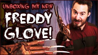 Unboxing my FREDDY GLOVE!