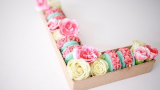 How To Make A Letter Gift Box With Macarons & Fresh Flowers