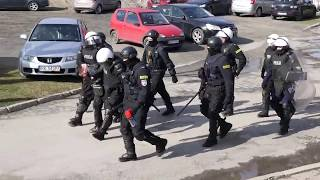 Mecz  Karpaty Krosno - JKS Jarosław przerwany przez kibiców