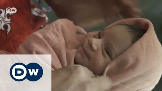 Indian doctor fights to save baby girls | DW English