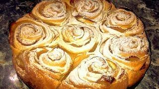 Яблочный пирог. Пирог с розами. Пирог с яблоками из слоеного теста.
