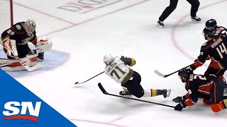 William Karlsson Fights Off Three Defenders Before Scoring In-Tight by Sportsnet Canada