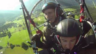 preview picture of video 'Paramotor a los 80 años'