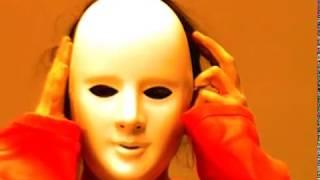 Orange - Die Maske - Fragen