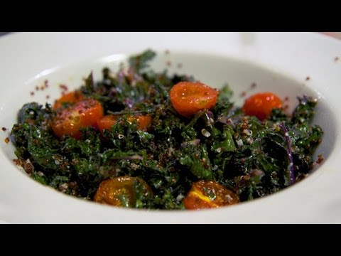 Video Healthy Kale and Quinoa Salad Recipe