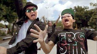 The Rain Feat Endank Soekamti   Terlatih Patah Hati (Music Video)