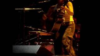 "Ani Difranco performs ""Mariachi"""