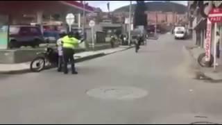 Escapando De La Policia En Dt 175