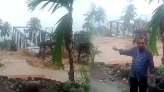 Viral Video Banjir Robohkan Jembatan di Lubuk Kilangan Padang