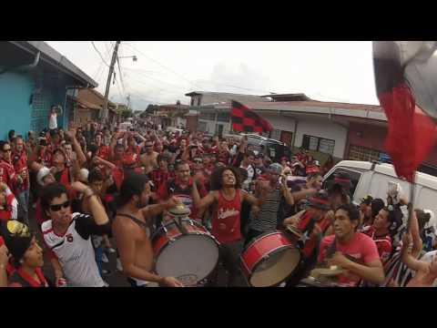 """""""La 12 LDA 2012"""" Barra: La 12 • Club: Alajuelense"""