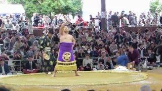 平成28年4月3日伊勢巡業稀勢の里対琴奨菊弓取式