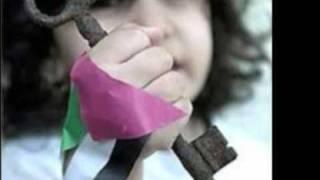 الفنانة سيدر زيتون تغني لاطفال فلسطين في المخيمات
