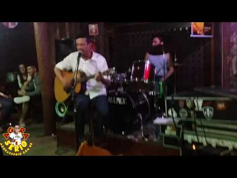 Tuca Maschio se aventura como cantor no esquina bar