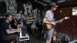 Video Tři v triku & Michal Rataj & Tomáš Brandejs - Thrill is Gone