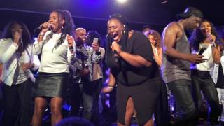 Killing me softly  Wyclef Jean duet with French singers Florence Francois and Precious Trace live